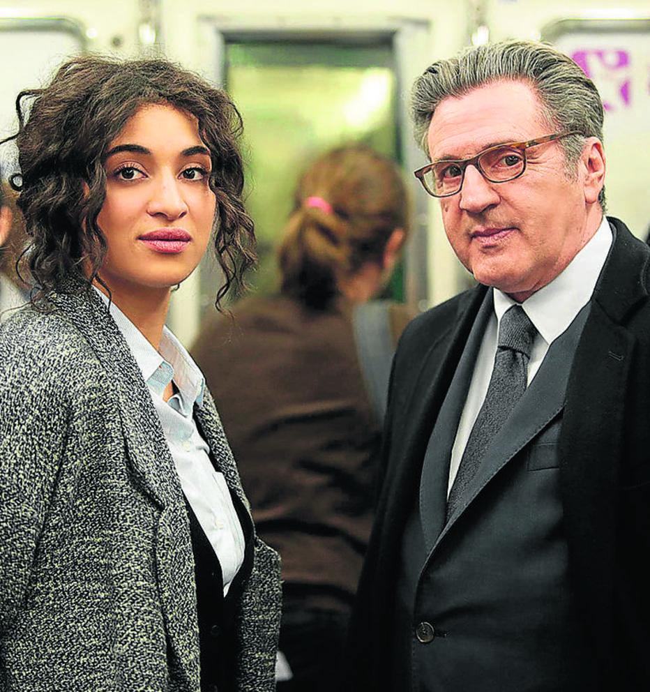 Cena do filme O Orgulho, com Camélia Jordana e Daniel Auteuil. Foto: David Koskas/Pandora