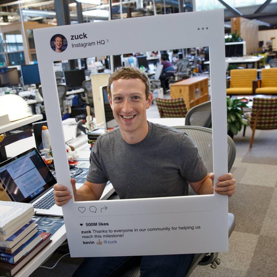 """Mark Zuckerberg e a câmera """"bloqueada"""". Foto: Facebook"""