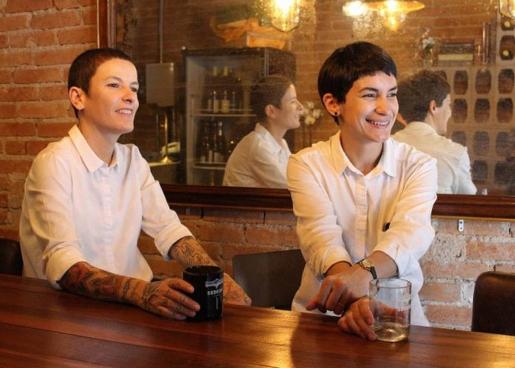 Daniela e Cássia na Sede 261. Foto: Lua Sampaio