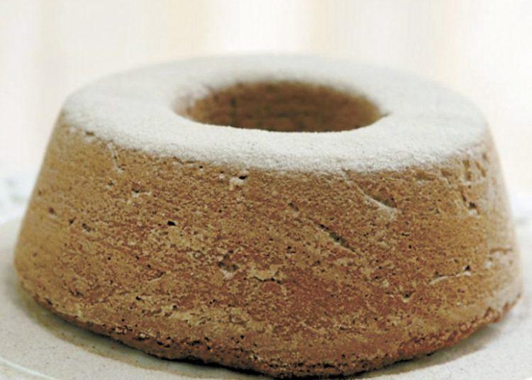 Bolo de massa de banana e farinha de rosca. Foto: ALEX SILVA/AE